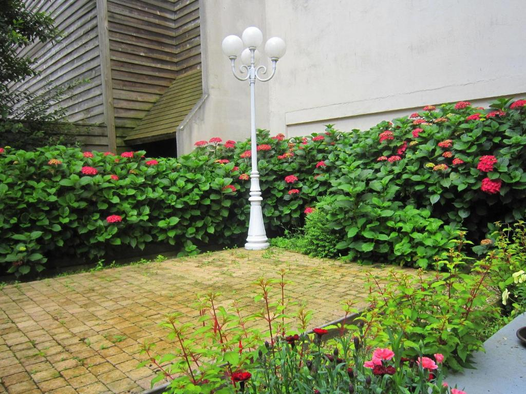 Jardin du port honfleur online booking viamichelin for Jardin tecina booking