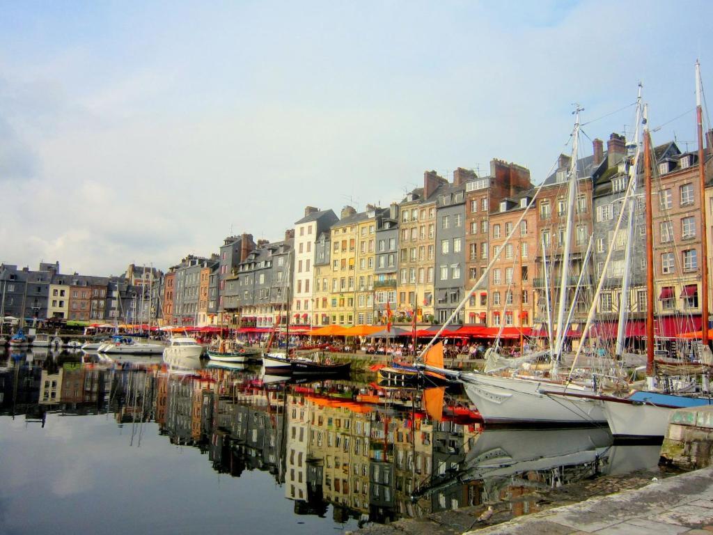 Jardin du port honfleur online booking viamichelin - Le bistrot du port honfleur ...