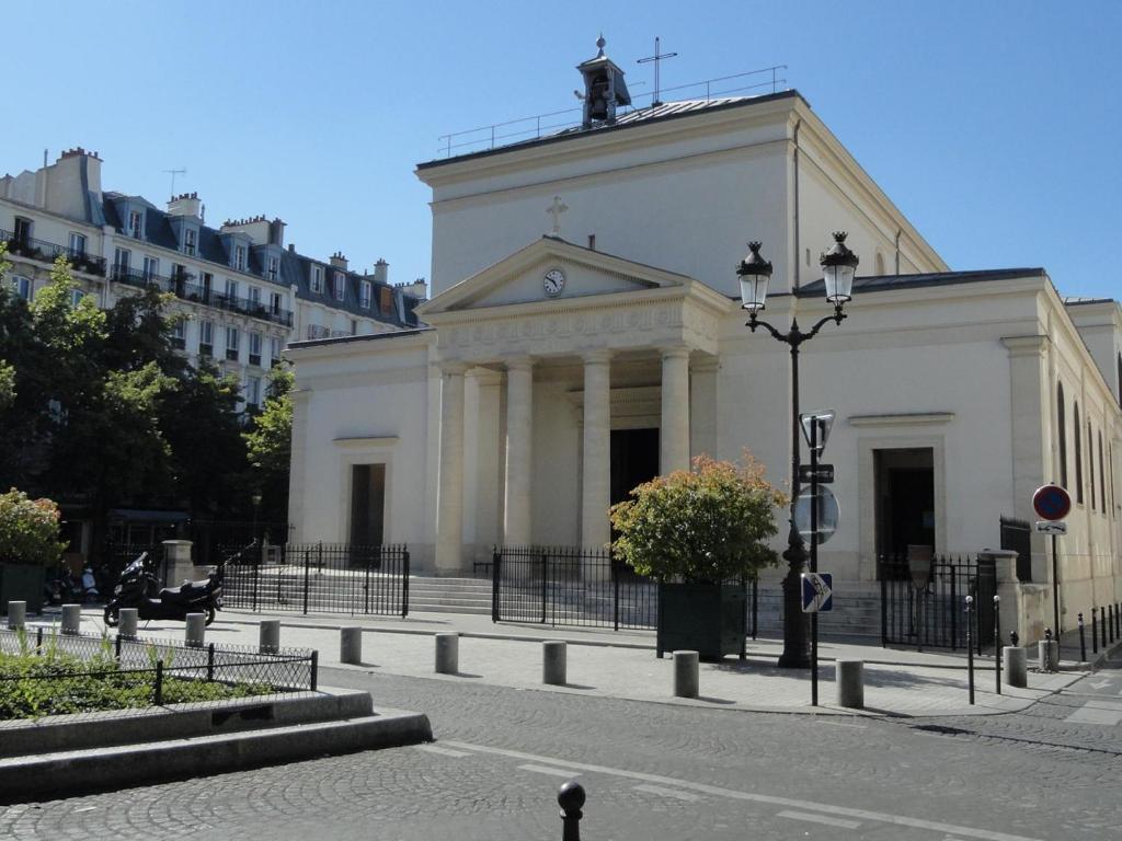 Batignolles paris informationen und buchungen online for Hotels 75017