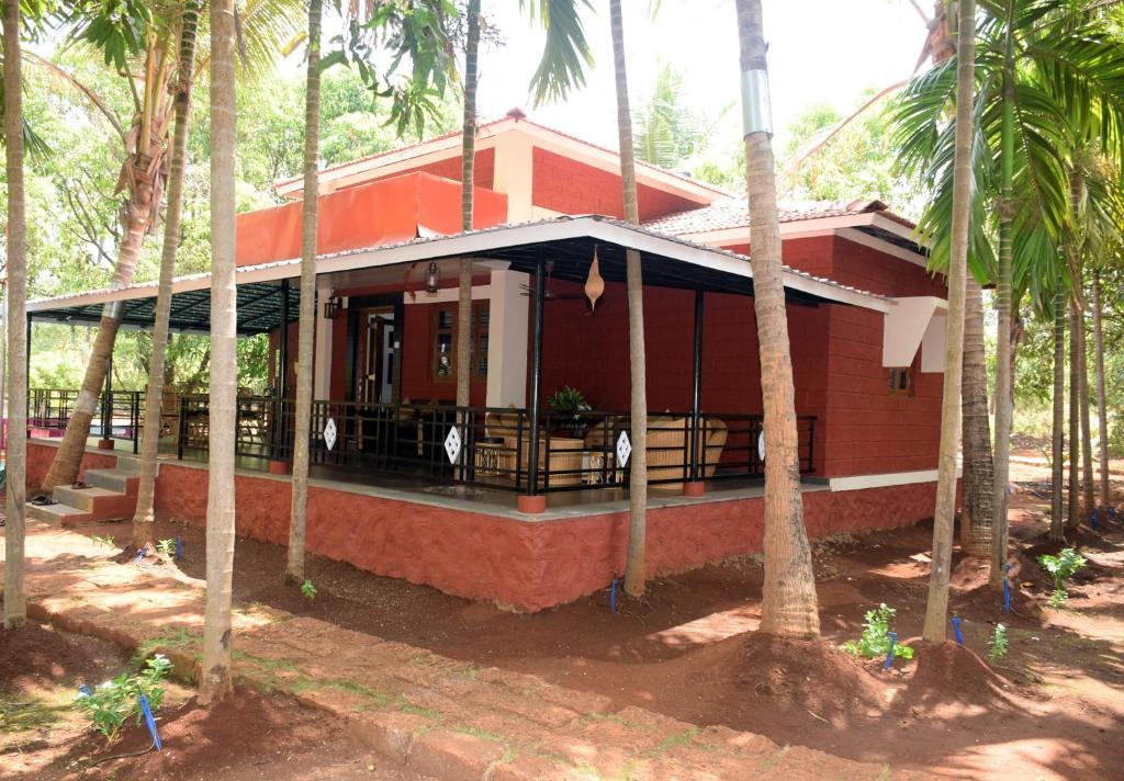 Red roof farmhouse r servation gratuite sur viamichelin for Indian farmhouse designs photos