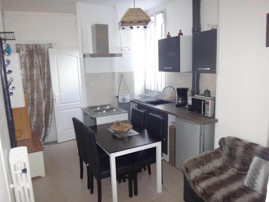 les vall es de colombes colombes prenotazione on line viamichelin. Black Bedroom Furniture Sets. Home Design Ideas