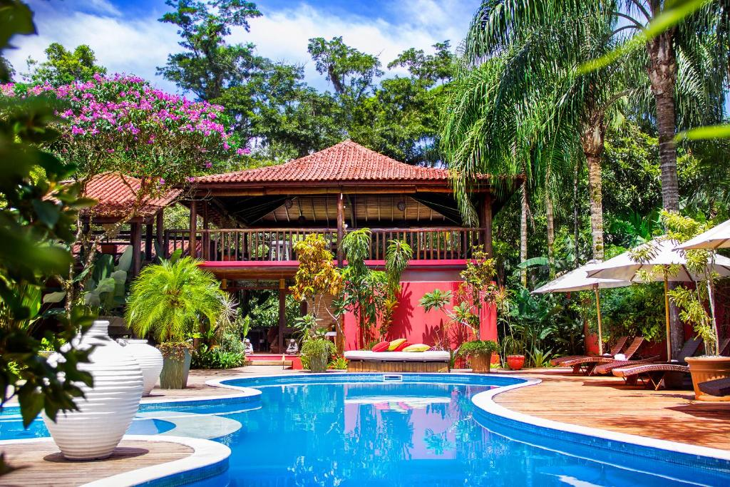 A piscina localizada em Villa Manakás ou nos arredores