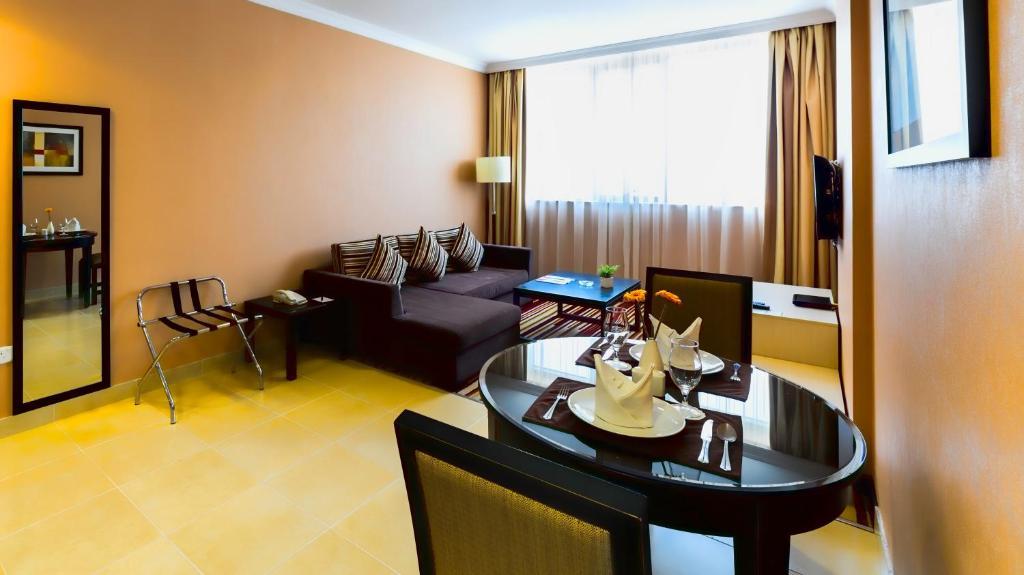 Suite Of 51 M²