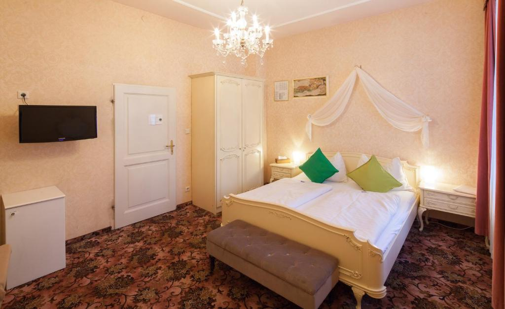 Chambres d 39 h tes aviano pension chambres d 39 h tes vienne for Chambre hote vienne 38
