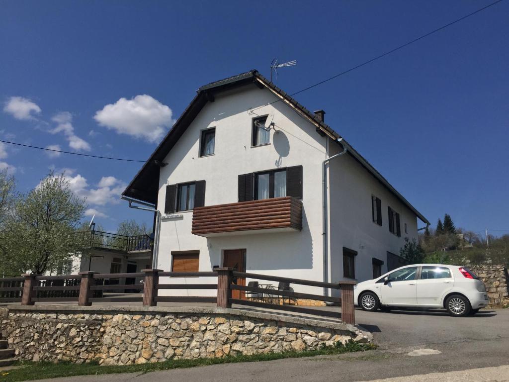Guest house aurora plitvi ka jezera book your hotel for House aurora