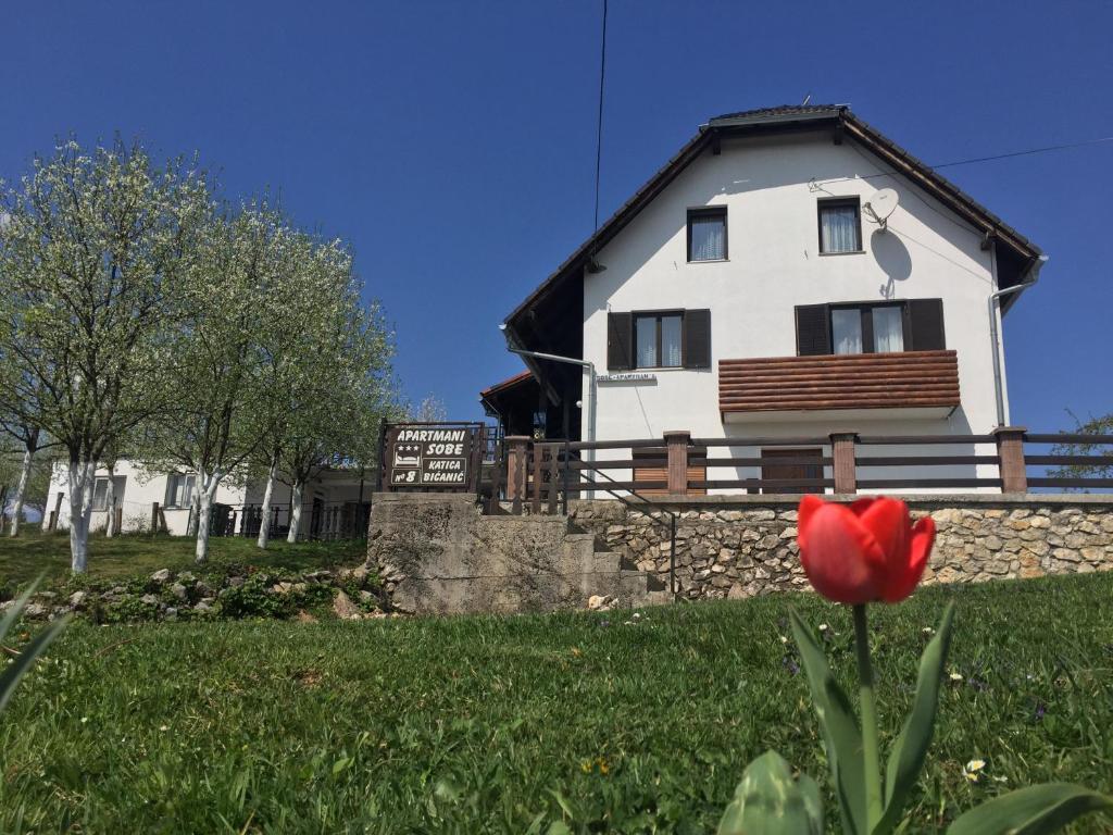 Guest house aurora plitvi ka jezera informationen und for House aurora