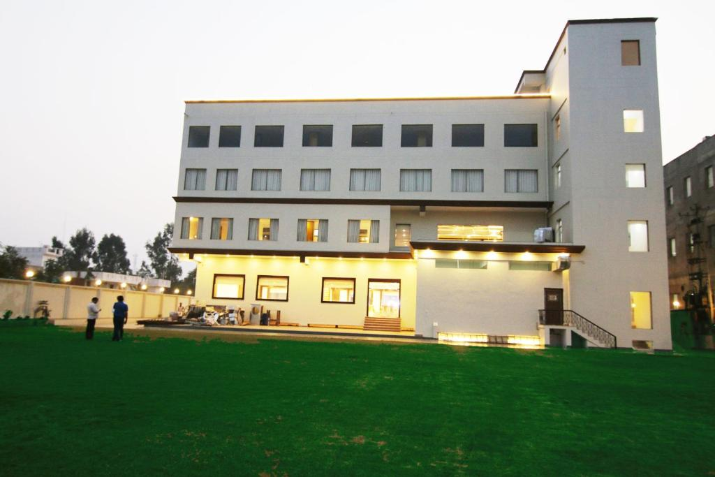 hotel corporate bari brahmana jammu india - photo#11