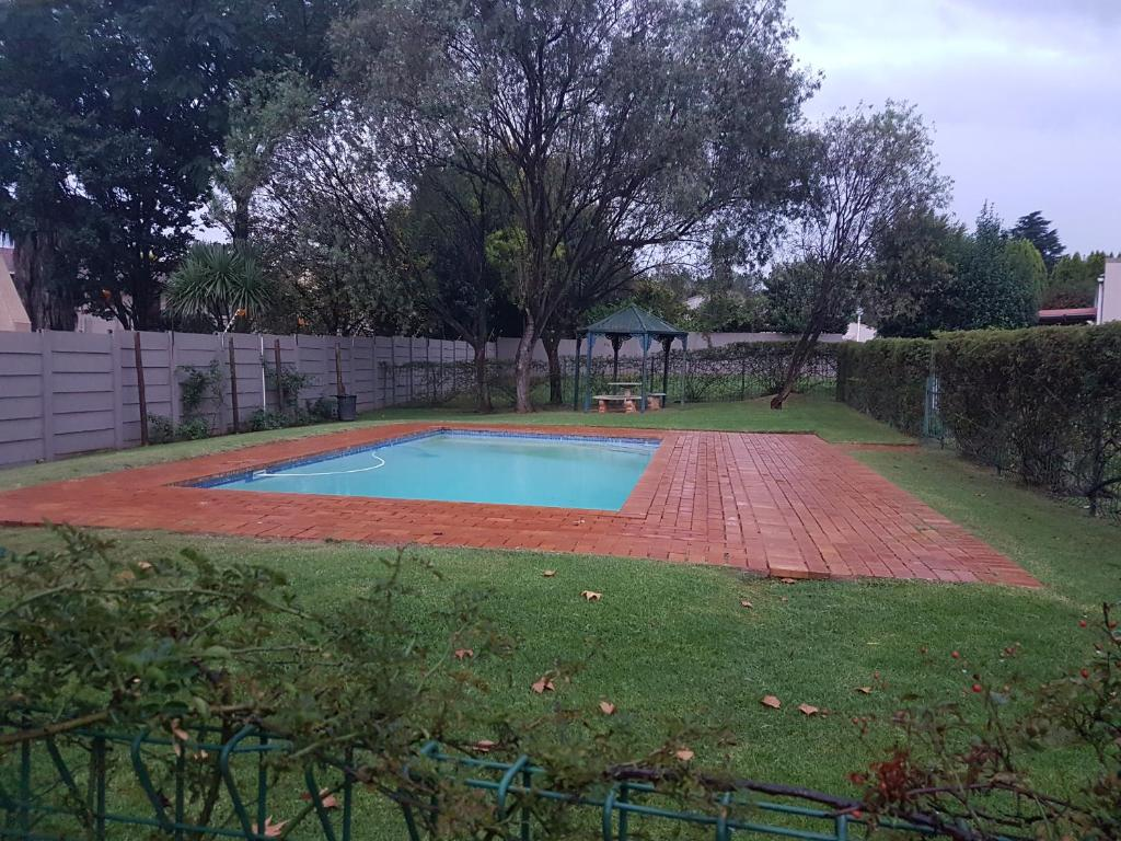 Heathfield inosys johannesburg book your hotel with Linden public swimming pool johannesburg