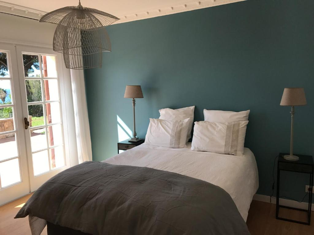 chambres d 39 h tes villa aiaccina chambres d 39 h tes ajaccio en corse du sud 2a 7 km de porticcio. Black Bedroom Furniture Sets. Home Design Ideas