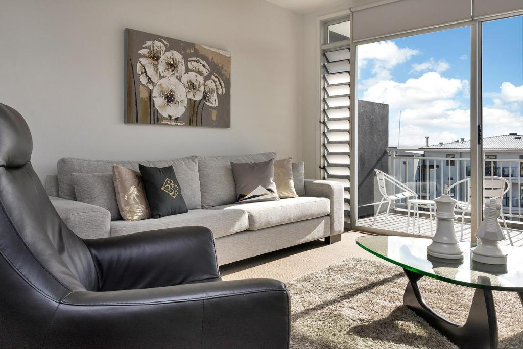 Private Two Bedroom PentCasa in the Heart of the Viaduct ...