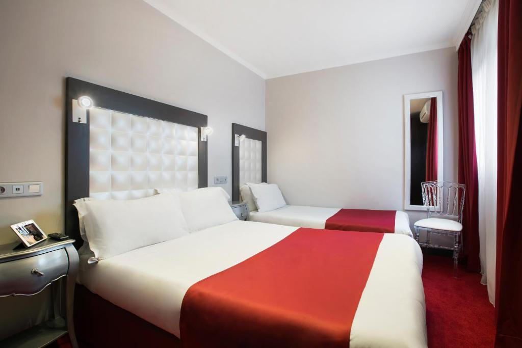 Grand Amelot Hotel Paris