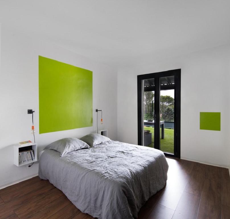 Design en provence saint tienne du gr s book your for Hotel design provence