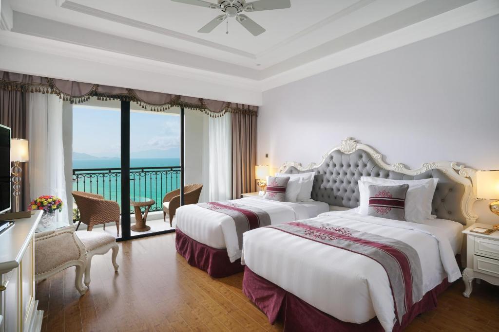 Phòng Deluxe 2 Giường Đơn Nhìn Ra Biển - Bao Cả 3 Bữa