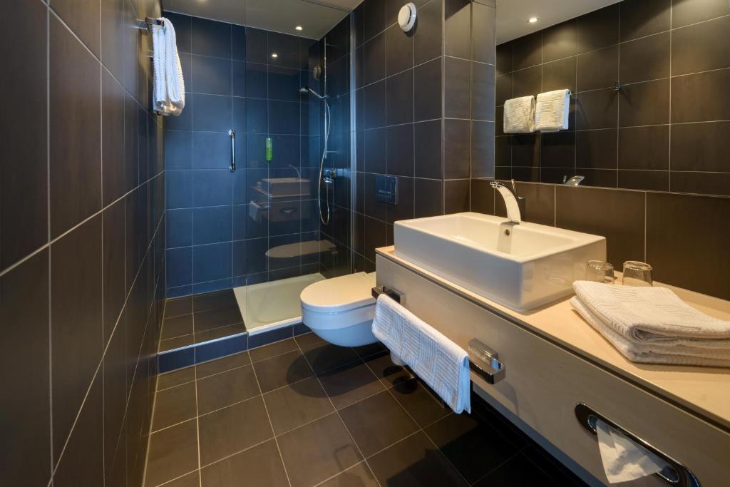 atlantic hotel sail city bremerhaven online booking viamichelin. Black Bedroom Furniture Sets. Home Design Ideas