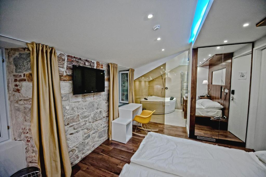 jupiter luxury hotel split viamichelin informatie en