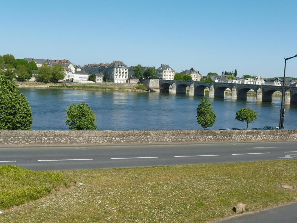 Sohotel saumur online booking viamichelin for Hotels saumur