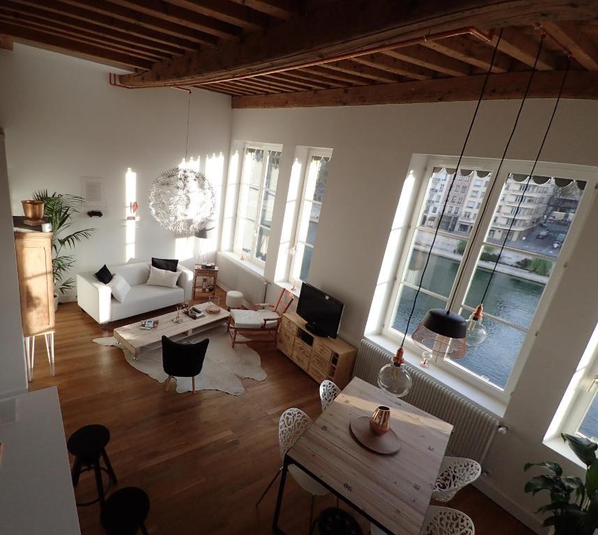 Appartement la p pite du vieux lyon locations de - Appartement vieux lyon ...
