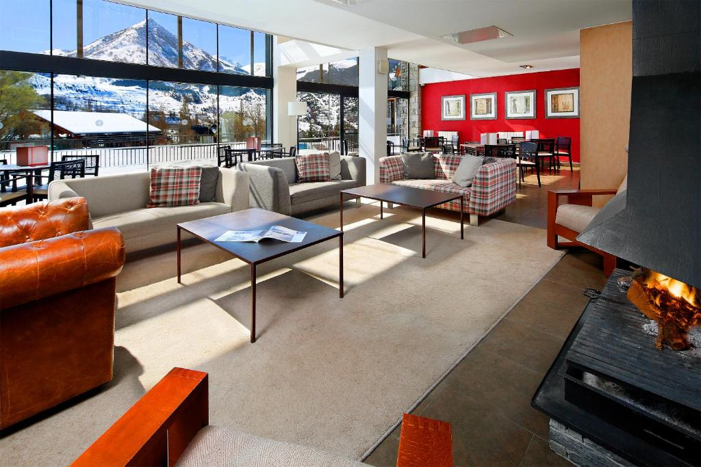 Apartamentos hg cerler benasque online booking for Booking benasque