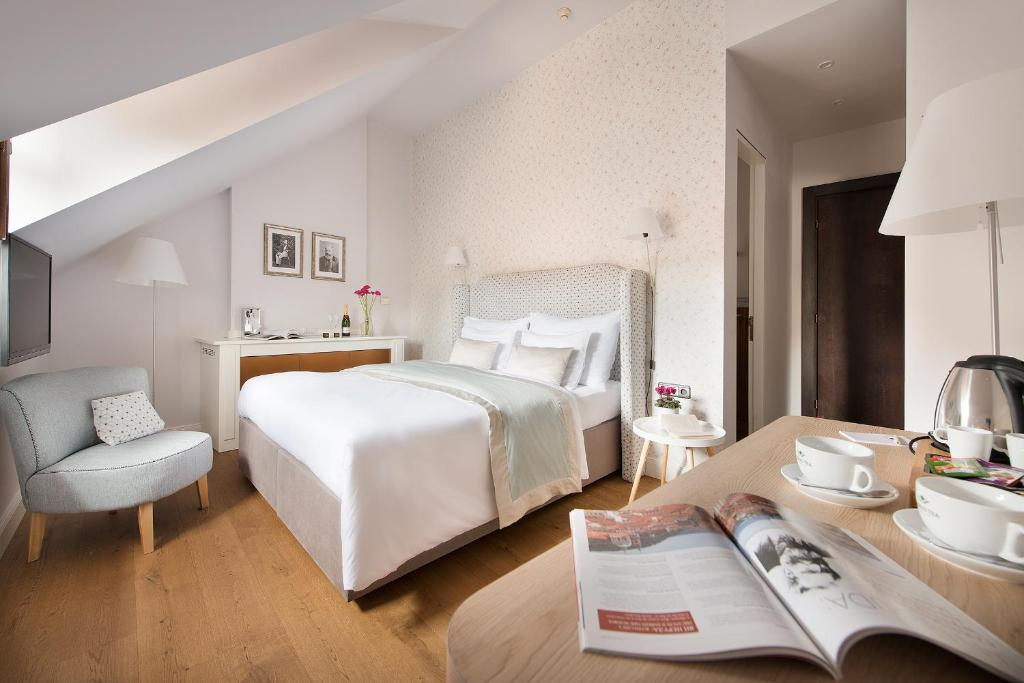 Design hotel neruda prague book your hotel with for Design prague hotel