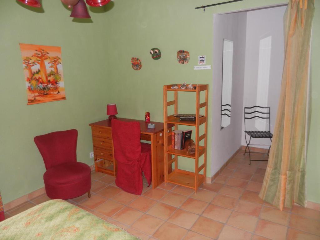 Chambres d\'hôtes La fenière aux hirondelles, Chambres d\'hôtes Orange
