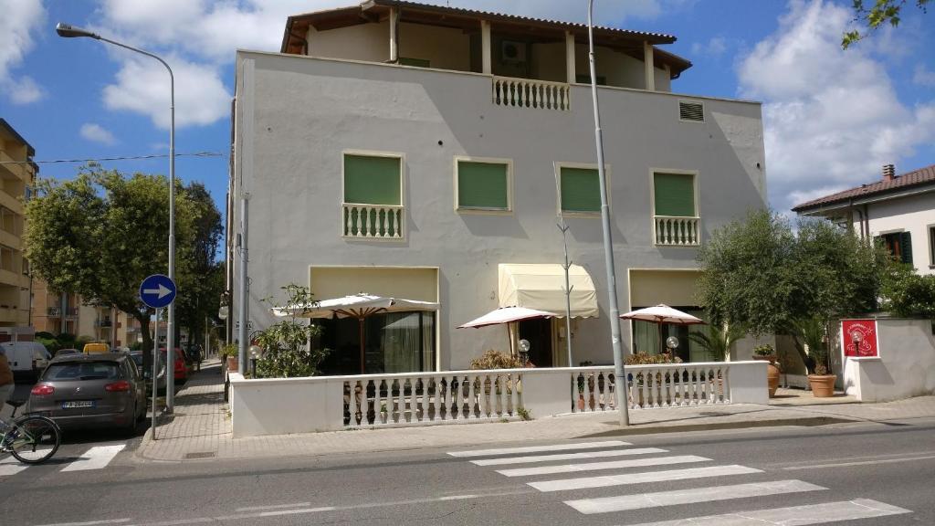 Casamare hotel san vincenzo prenotazione on line viamichelin - Bagno delfino san vincenzo ...