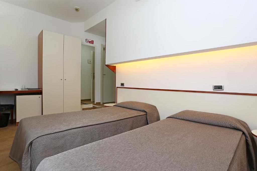 hotel corticella via stoppato bologna barb - photo#40