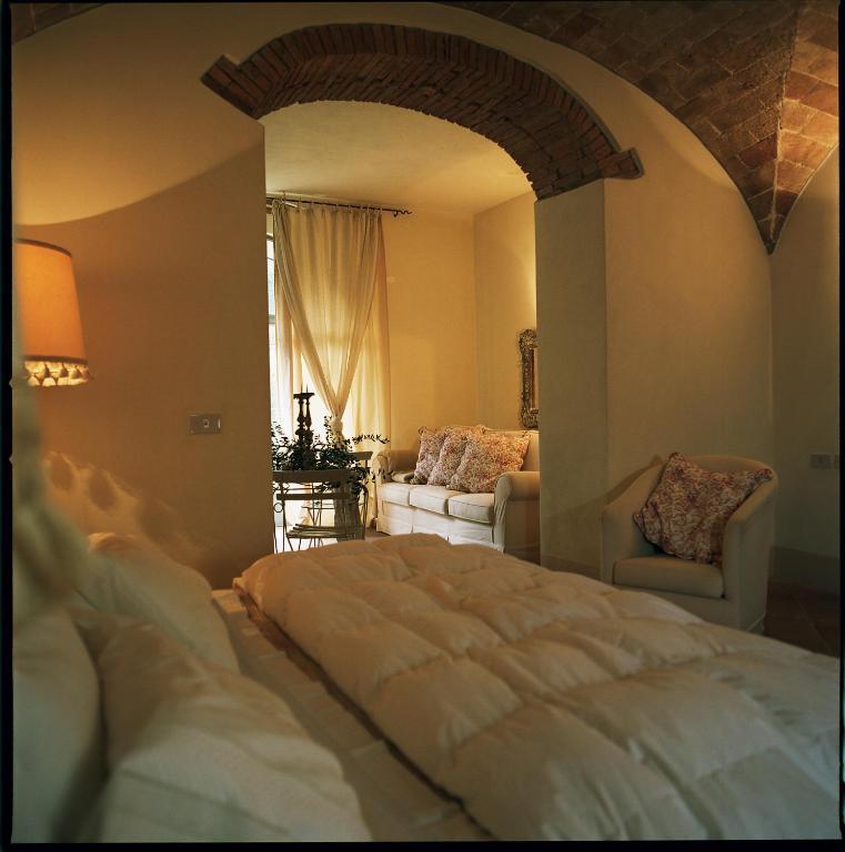 la locanda di villa toscana cecina viamichelin informationen und online buchungen. Black Bedroom Furniture Sets. Home Design Ideas