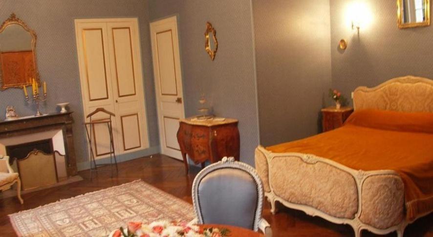 Chambres d 39 h tes le ch teau des requ tes r servation gratuite sur viamichelin - Chambres d hotes chateau d olonne ...