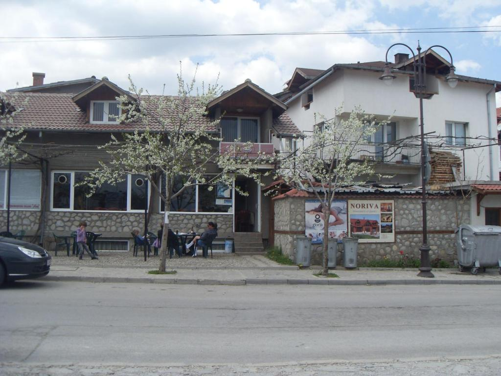 Chambres d 39 h tes guest rooms kambana chambres d 39 h tes bansko - Chambre d hote ruoms ...