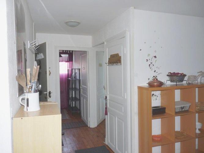 appartement proche coeur de ville appartement vichy. Black Bedroom Furniture Sets. Home Design Ideas