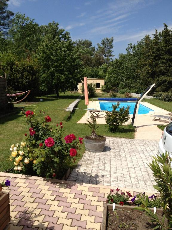 Bed and breakfast les cigales r servation gratuite sur for Chauffage piscine 974
