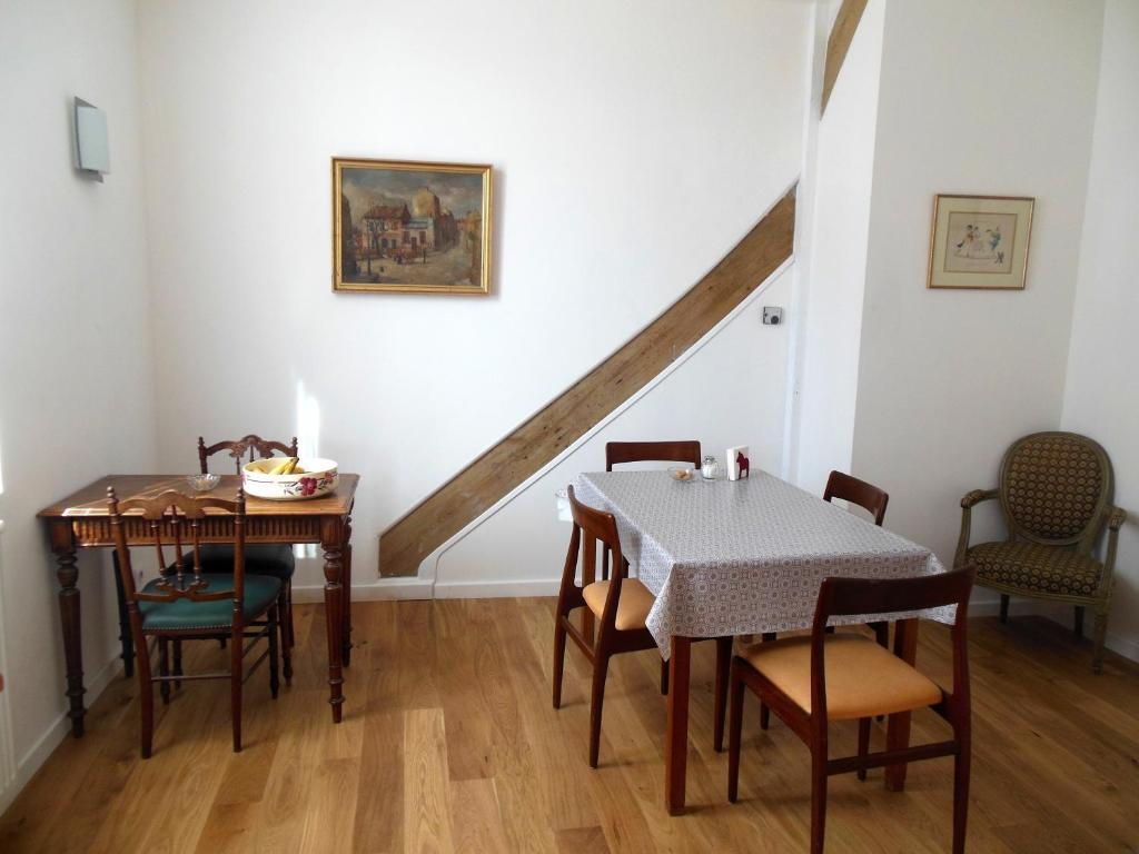 L 39 expressoir maison d 39 h tes chambres d 39 h tes marnay sur seine for Chambre hote 974