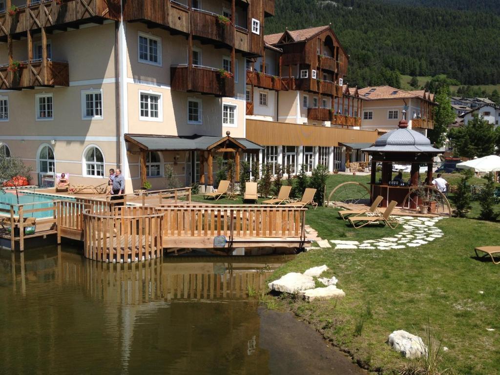Alpen hotel eghel folgaria reserva tu hotel con viamichelin - Hotel folgaria con piscina ...