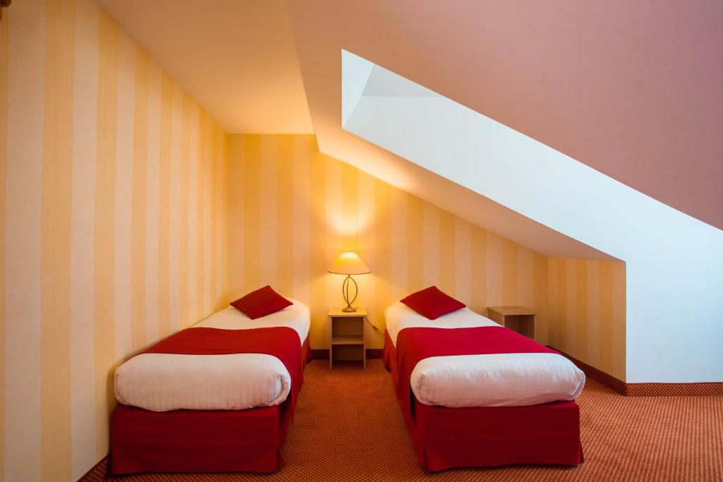 Hotel delambre paris informationen und buchungen for Hotel design paris 8