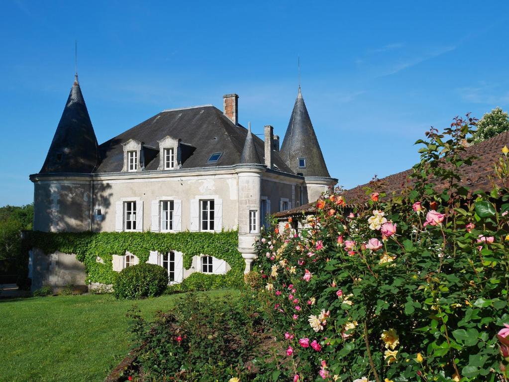 Chambres d 39 h tes ch teau de lannet chambres d 39 h tes la chapelle montmoreau - Chambre d hote chapelle des bois ...