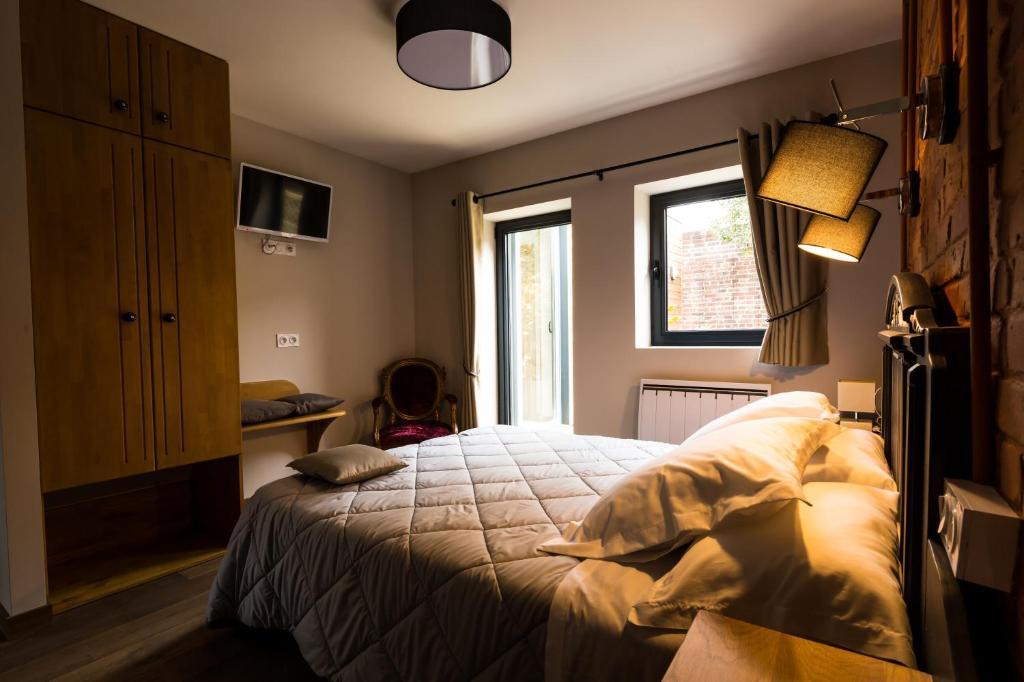 L 39 arbre chambres lens r servation gratuite sur for Reservation chambre
