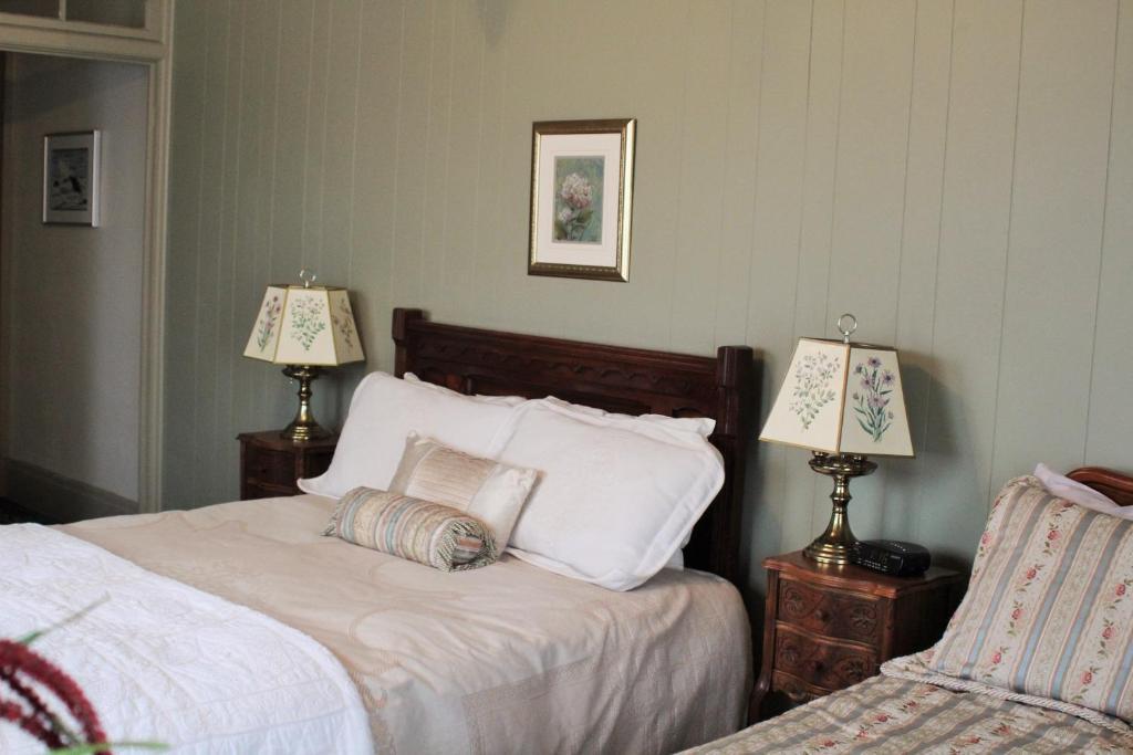 Summerhill Manor B B And Tea Room Port Hope On