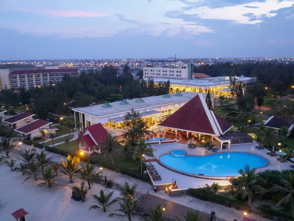 Centara Sandy Beach Resort Da Nang Booking Com