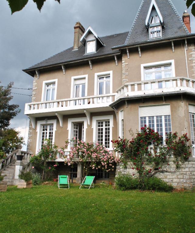 Chambres d39hotes villa hortebise chambres d39hotes salies for Maison d hotes salies de bearn