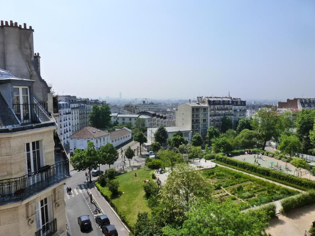 Nadaud hotel paris online booking viamichelin for Booking paris hotel