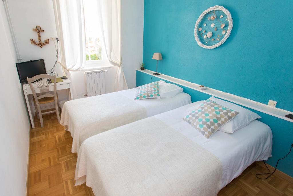 auberge de la cauquiere le beausset online booking viamichelin. Black Bedroom Furniture Sets. Home Design Ideas