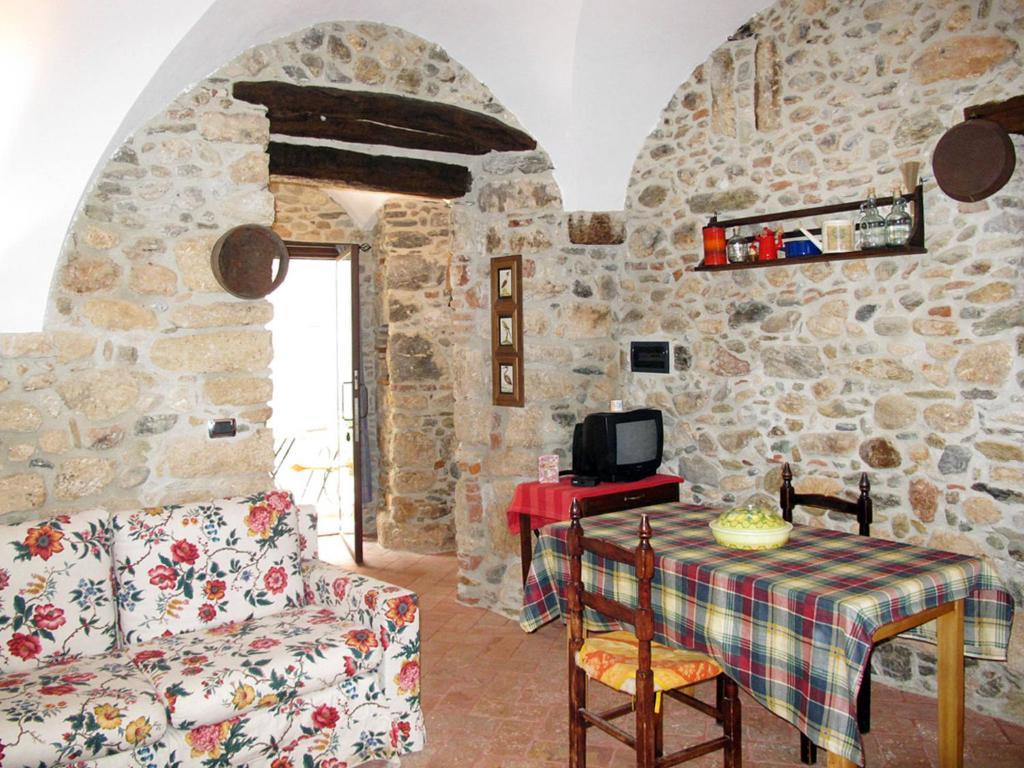 Cantina della Legna (240), Apartamento Finale Ligure