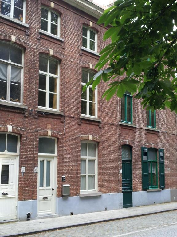 Chambres d 39 h tes b b alicia chambres d 39 h tes bruges for Chambre d hotes bruges