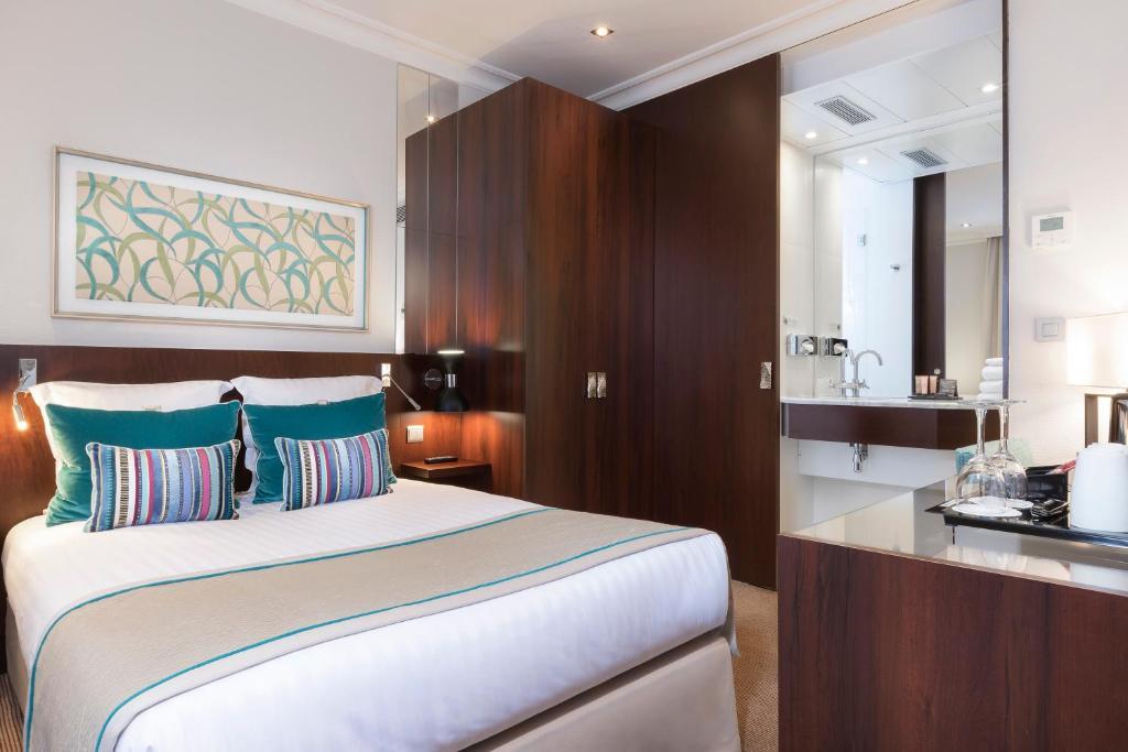 Montfleuri paris online booking viamichelin for Hotel booking paris