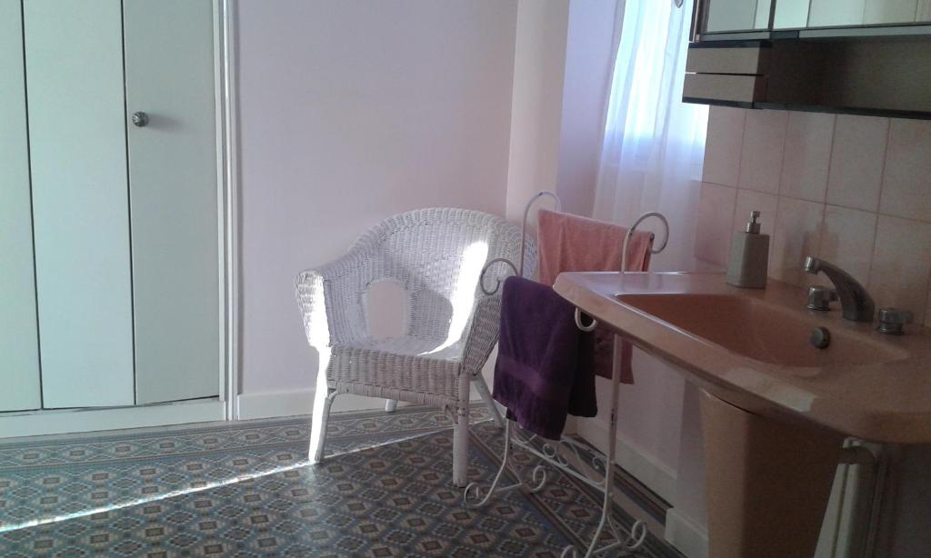 chambre d 39 h tes eug nie chambres d 39 h tes le puy en velay. Black Bedroom Furniture Sets. Home Design Ideas