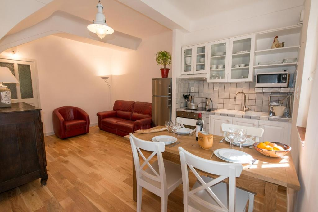 Appartement grand balaguier appartement la seyne sur for Appart hotel dans le var