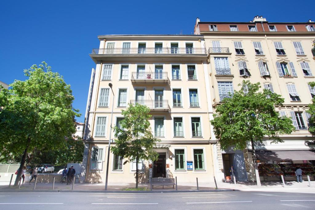 Appart 39 hotel odalys le palais rossini nice online for Appart hotel france