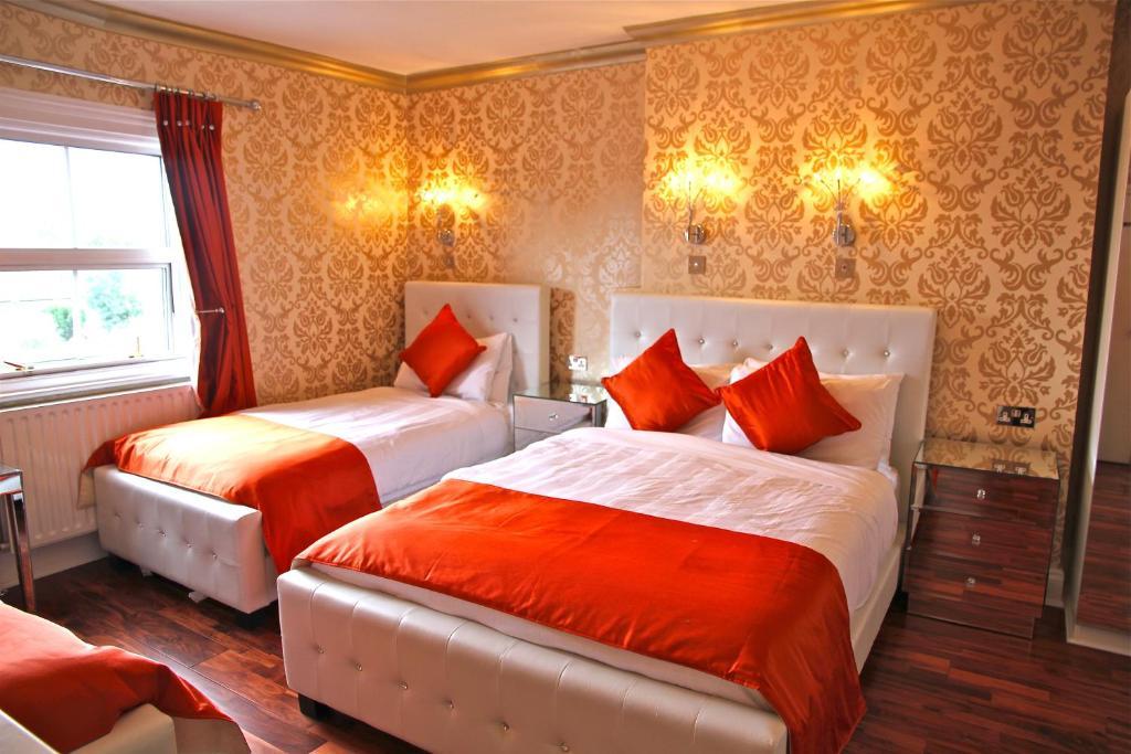 Crompton Guest House room 6