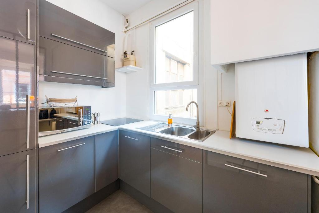 Appartement moderne 3 pieces quartier capitole - Ustensiles de cuisine toulouse ...