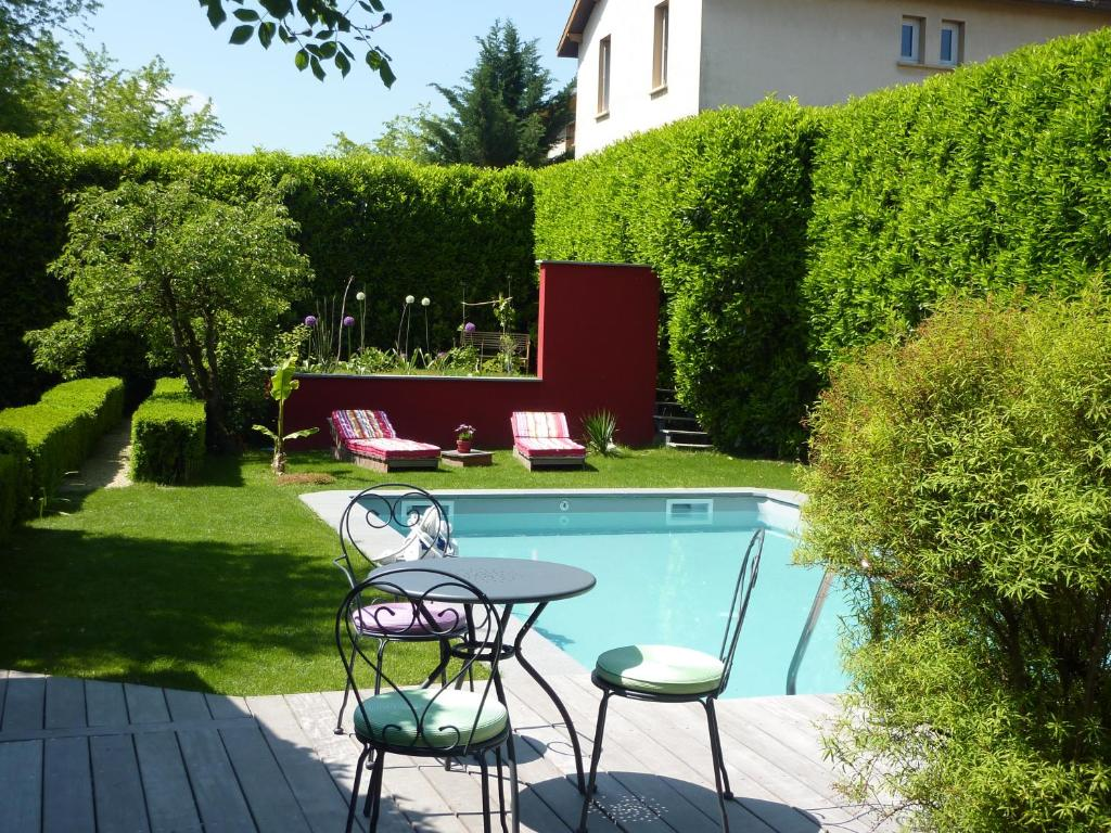 Chambre d 39 hotes riad des baudi res bed breakfast for Chambre d hotes bourg en bresse